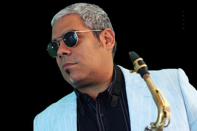 foto del  jazzista cubano César López